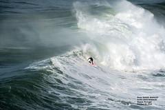 COCO NOGALES / 95140N0 (Rafael González de Riancho (Lunada) / Rafa Rianch) Tags: nazaré olas waves ondas water surf surfing portugal mar sea deportes sports vagues nazare costa coast playa beach