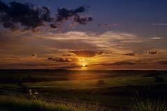 The radiant sun king in the dusk (thalaovalle) Tags: sky sunrise sunset dawn dusk sun sol anoitecer entardecer noite pordosol horaazul horadourada goldenhour bluehour brazil catanduva ndfilter canon6d longaexposição longexposure twilight crepúsculo céu clouds nuvens paisagem landscape