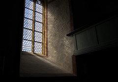 luce (Toni_V) Tags: m2403627 rangefinder messsucher leica leicam mp typ240 28mm elmaritm elmaritm12828asph church kirche burgkirche raron valais wallis oberwallis window fenster switzerland schweiz suisse svizzera svizra europe ©toniv 2017 170401