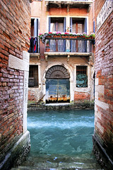 magazzino? (Gina.DiDato) Tags: venezia veneto italia venice venezia2017 canalivenezia case