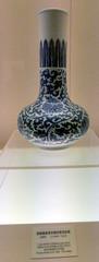 L1160272 (H Sinica) Tags: qianlong jindezhen blueandwhite vase 康熙 清 青花 jingdezhen shanghai museum qing 景德鎮 porcelain ceramics