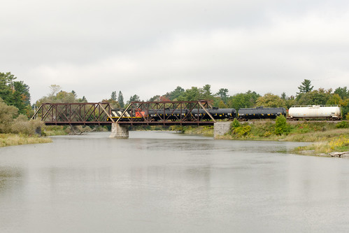 CN 589 over bridge