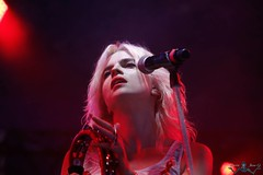 Hollysis -2710.jpg (Pierre-jean G. - Live's Shoot) Tags: chanteuse actrice solidays comédienne cécilecassel hollysiz 2014hyppodromedelongchamps2014actricehollysizcécilecrochonchanteusesolidaritésidacécilecasseelsolidaysparisfrance