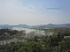 View from Shangri-la Hotel at West Lake, Hangzhou (hans.chay) Tags: china morning view shangrila westlake hangzhou       causeway