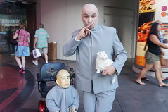 """""""Please take the frickin' picture !!!"""" (Hazboy) Tags: las vegas vacation usa west mike america austin movie us boulevard dr nevada evil september doctor western powers blvd myers impersonator 2014 hazboy hazboy1 dswt"""