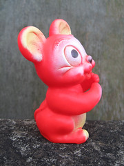Vintage Mouse (The Moog Image Dump) Tags: england vintage toy mouse star made figure lone series squeaker eaglet squeaky