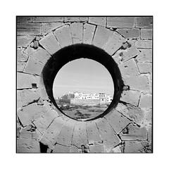 the hole • essaouira, morocco • 2014 (lem's) Tags: ocean city wall rolleiflex view hole morocco maroc mur vue essaouira ville trou planar