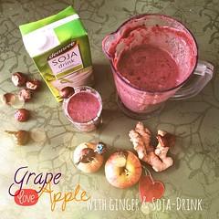 News from #Smoothie-Dreamland: #grape loves #apple. With #ginger & #Soja-Drink. | Neues aus dem Smoothietraumland: #Weintrauben sind verliebt in #Äpfel. Mit #Ingwer & Soja-Drink.  Weitere Rezepte hier: http://wp.me/p4TDCK-23w Alle Zutaten stammen aus dem
