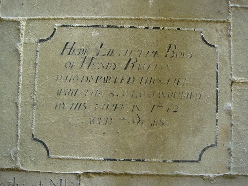 Floor memorial stone to Henry Rawlings (d.1742)