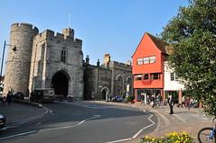 Canterbury city gate (Pim Stouten) Tags: uk architecture gate canterbury architektur architectuur poort citygate stadspoort kantelberg