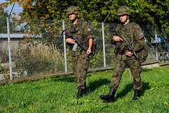 Exercise MAPLE ARCH 2014 (Canadian Army   Arme canadienne) Tags: maple arch outdoor poland t extrieur arme 2014 lublin moyenmedium rxh06xjpzxvy forcesukrainiennes forceslituaniennes ukrainianforces lituanianforces qxjt6wu yxtp internationalotannato armysummer jourdayhorizontalehorizontalplan shotinfantryinfanterieforces polonaisepoland forceshommesmalesexercise