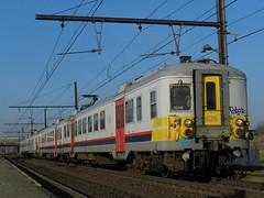 MS 626 + CR 957 op Antwerpen Noorderdokken (Jeffrey1189) Tags: station train am 66 antwerpen cr cityrail 626 treinstation klassiek nmbs treinstel sncb ms66 noorderdokken motorstel ptrein piekuurtrein