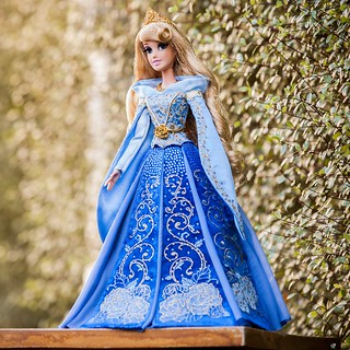 LIMITED EDITION SLEEPING BEAUTY DOLL (Blue gown) - Disney Store Blog Announcement Image #1 - 2014-09-29