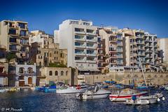 010143 - Malta (M.Peinado) Tags: copyright canon puerto mar barco barcos malta hdr 2014 marmediterrneo canoneos60d islademalta 01092014 septiembrede2014