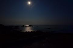 Give me the moonlight. (Lee1885) Tags: nightphotography sea water night dark jersey moonlight channelislands lacorbiere
