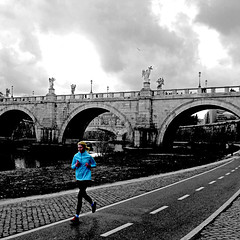 Running, Lungotevere, Rome (pom.angers) Tags: panasonicdmctz30 february europeanunion roma rome lazio italia italy lungotevere sport jogging running footing woman bridge 2017 people 100 150