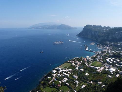 Capri kikötője és a Sorrentói-félsziget