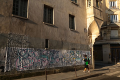 Rue des Francs Bourgeois - Paris (France) (Meteorry) Tags: europe france idf îledefrance paris lemarais ruedesfrancsbourgeois ruepavée street rue art artderue urban pasteup poster wall mur mural facade façade laposte man homme male student pavement trottoir morning matin march 2017 meteorry