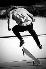 flying pants squad (Dirty Thumper) Tags: sony nex nex5n mirrorless minolta mc md prime 200mm legacy tele telephoto manual monochrome bw street kraków cracow skater skateboard board jump sonyphotographing cracovie krakau クラクフの街 cracovia краков 城市克拉科