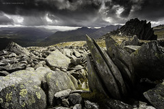 Castell y Gwynt / Castle of the wind (leecaine) Tags: snowdonia wales uk sky mountain lichen spikes rocks dramatic alone wind castle