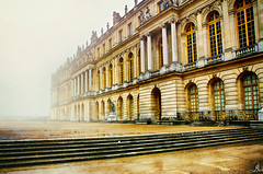French fog (Alessandro Giorgi Art Photography) Tags: french fog nebbia francese versailles paris parigi france francia palace building monument monumento palazzo garden giardini tour history winter cold inverno colors colori nikon d7000