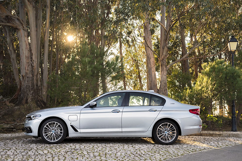 "BMW 530e (13) <a style=""margin-left:10px; font-size:0.8em;"" href=""http://www.flickr.com/photos/128385163@N04/33427195440/"" target=""_blank"">@flickr</a>"