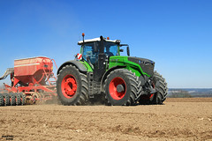 Spring Work  2017 - Sowing Poppy | FENDT // HORSCH (martin_king.photo) Tags: starttheworkday fendt1042varioprofiplus fendt1000vario agromex fendtglobal springwork2017 huge machine all everything servis tschechische republik powerfull martin king photo agriculture machines strong agricultural greatday great czechrepublic sky welovefarming agriculturalmachinery farm work workday working modernagriculture landwirtschaft beast lukaskralphoto lukaskralphotocz dynastyphotography