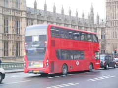 Stagecoach London 12402 (Welsh Bus 17) Tags: stagecoach london adl enviro400mmc 12402 yx66wau westminsterbridge