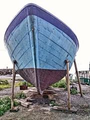 (lucianoserra490) Tags: maredinverno barca genovacitta