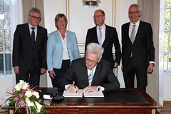 Mehr Geld für Beamte (RegierungBW) Tags: badenwürttemberg kretschmann sitzmann jäger grewe stich