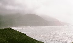 (september.) Tags: 35mm film canonae1 fujifilmsuperia400 california bigsur pacific ocean cliff hiker