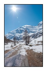 Vallée d'Avérole - Sur la route... (Pierre_Bn) Tags: 2017 maurienne savoie alpes alps frenchalps mountain montagne mountains montagnes savoy fuji fujifilm fujixt2 fujinon