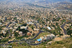 Taiz city - Sabr (المصور أنس الحاج) Tags: boy portrait canon landscape yemen sanaa taiz مناظر ابداع أطفال اليمن تعز صنعاء وطن براءة canon6d انسانية intaizsapir buildings oldsanaa beautifulview أنسالحاج