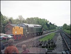 Preserved Class 40 (tatrakoda) Tags: uk england green film train diesel kodak britain engine railway loco locomotive preserved analogue englishelectric gold100 type4 40106 class40 ee4 atlanticconveyor