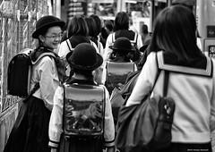 (Simone Maroncelli) Tags: people blackandwhite bw japan tokyo pentax shibuya streetphotography  giappone k5 simonemaroncelli