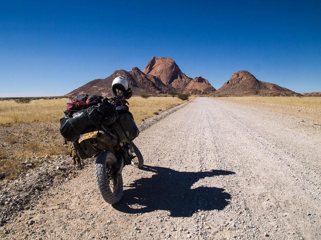 Suzuki DR650, Spitzkoppe , Namibia
