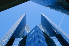 Paris - La Dfense (Gilles Daligand) Tags: blue paris architecture buildings moderne tours defense couleur bleue gratteciel