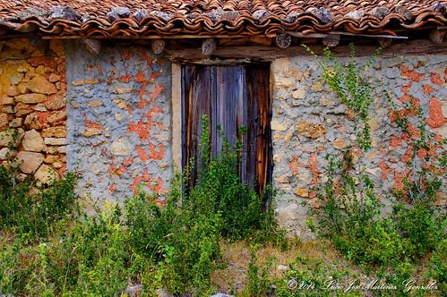 """Salinas del Manzano: Pajar en las eras altas • <a style=""""font-size:0.8em;"""" href=""""http://www.flickr.com/photos/26679841@N00/15315980399/"""" target=""""_blank"""">View on Flickr</a>"""