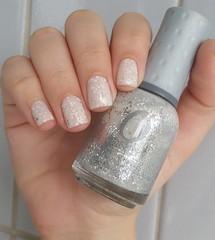 Orly - Peaceful Opposition (Mireille Balieiro) Tags: branco glitter nailpolish orly prata esmalte