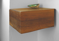 walnut key corner box (Treeaddict) Tags: corner box furniture recycled walnut local rainer sideboard eck solid nussbaum walnuss massiv handarbeit handbuild hallmann baumkante schlsselboard treeaddict
