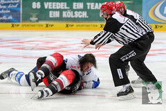 "DEL15 Kölner Haie vs. Schwenningen Wild Wings 28.09.2014 012.jpg • <a style=""font-size:0.8em;"" href=""http://www.flickr.com/photos/64442770@N03/15380354241/"" target=""_blank"">View on Flickr</a>"