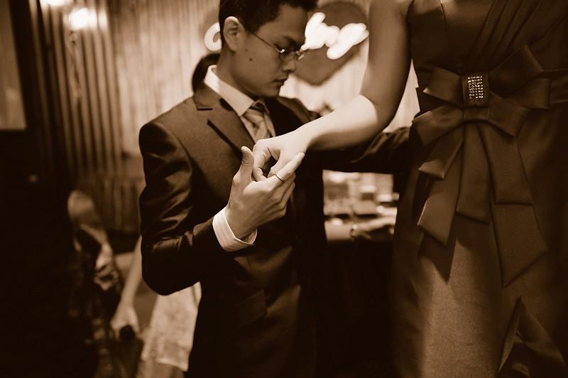 15390020865_4e1a56c0c8_b- 婚攝小寶,婚攝,婚禮攝影, 婚禮紀錄,寶寶寫真, 孕婦寫真,海外婚紗婚禮攝影, 自助婚紗, 婚紗攝影, 婚攝推薦, 婚紗攝影推薦, 孕婦寫真, 孕婦寫真推薦, 台北孕婦寫真, 宜蘭孕婦寫真, 台中孕婦寫真, 高雄孕婦寫真,台北自助婚紗, 宜蘭自助婚紗, 台中自助婚紗, 高雄自助, 海外自助婚紗, 台北婚攝, 孕婦寫真, 孕婦照, 台中婚禮紀錄, 婚攝小寶,婚攝,婚禮攝影, 婚禮紀錄,寶寶寫真, 孕婦寫真,海外婚紗婚禮攝影, 自助婚紗, 婚紗攝影, 婚攝推薦, 婚紗攝影推薦, 孕婦寫真, 孕婦寫真推薦, 台北孕婦寫真, 宜蘭孕婦寫真, 台中孕婦寫真, 高雄孕婦寫真,台北自助婚紗, 宜蘭自助婚紗, 台中自助婚紗, 高雄自助, 海外自助婚紗, 台北婚攝, 孕婦寫真, 孕婦照, 台中婚禮紀錄, 婚攝小寶,婚攝,婚禮攝影, 婚禮紀錄,寶寶寫真, 孕婦寫真,海外婚紗婚禮攝影, 自助婚紗, 婚紗攝影, 婚攝推薦, 婚紗攝影推薦, 孕婦寫真, 孕婦寫真推薦, 台北孕婦寫真, 宜蘭孕婦寫真, 台中孕婦寫真, 高雄孕婦寫真,台北自助婚紗, 宜蘭自助婚紗, 台中自助婚紗, 高雄自助, 海外自助婚紗, 台北婚攝, 孕婦寫真, 孕婦照, 台中婚禮紀錄,, 海外婚禮攝影, 海島婚禮, 峇里島婚攝, 寒舍艾美婚攝, 東方文華婚攝, 君悅酒店婚攝,  萬豪酒店婚攝, 君品酒店婚攝, 翡麗詩莊園婚攝, 翰品婚攝, 顏氏牧場婚攝, 晶華酒店婚攝, 林酒店婚攝, 君品婚攝, 君悅婚攝, 翡麗詩婚禮攝影, 翡麗詩婚禮攝影, 文華東方婚攝