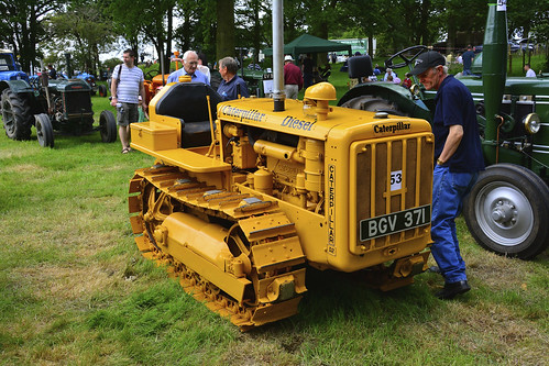Woolpit Steam Rally, Vintage Tractors, Caterpiller D2 1940