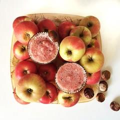 Yummmiiii #Smoothie with #apple #aroniaberries #ginger & #juice ... It taste delicious! I #enjoy the #autumn   Leckerer Smoothie mit #Apfel #Aronia-Beeren, #Ingwer & #Saft. #yummi  So lässt sich der #Herbst genießen.  Igvegn #vegan #vegetarisch