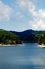 Glenville Lake (David Warlick) Tags: lake mountains water nikon lightroom glenville postprocessing photomatix glenvillelake