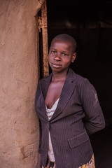 Girl portrait | Kenya (ReinierVanOorsouw) Tags: kenya health wash kenia hygiene ngo sanitation kakamega kenyai kisumu beyondborders gezondheid qunia  simavi   beyondbordersmedia beyondbordersutrecht sanitatie ngoproject