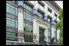 GB londen carreras cigarette factory 02 1928 collins me_oh_porri ag (hampstead rd) (Klaas5) Tags: greatbritain england grootbrittanie engeland london ©picturebyklaasvermaas architektuur architektur artdeco expressionism architettura architectuur arquitectura architecture uk unitedkingdom verenigdkoningkrijk officebuilding kantoorgebouw burogebaude fabriek factory sigarettenfabriek cigarettefactory reuse hergebruik gebouw building architect bouwjaar completed structure