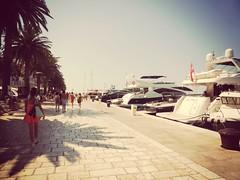 Beautiful (roberteklund) Tags: hvarskariva croatia kroatien hrvatska outdoor sommar summer 2014 hvar people witzy riva harbour outdoors