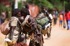Key Afer Market Scenes (Omo Valley, Ethiopia) (Alex Stoen) Tags: africa travel vacation colors canon geotagged google flickr market streetphotography omovalley ethiopia smugmug facebook natgeo abyssinia nationalgeographicexpeditions 1dx ef70200f28lisusm scenesofafrica colorsofafrica alexstoen alexstoenphotography canoneos1dx keyafermarketscenes