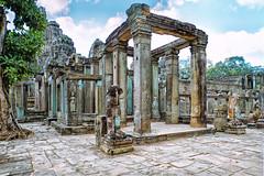 Tempel im Dschungel Angkor Wat Kambodscha-Temple in the jungle Angkor Wat Cambodia (Jutta M. Jenning) Tags: tempel angkorwat glaube religion asien kambodscha cambodia tempelanlage glauben gebet beten blumen park anlage siemreap gebaeude turm treppen angkor dschungel ruine ruinen